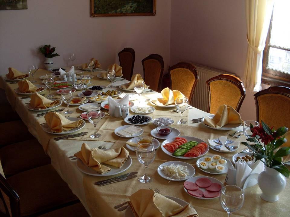 serpme kahvaltı masası