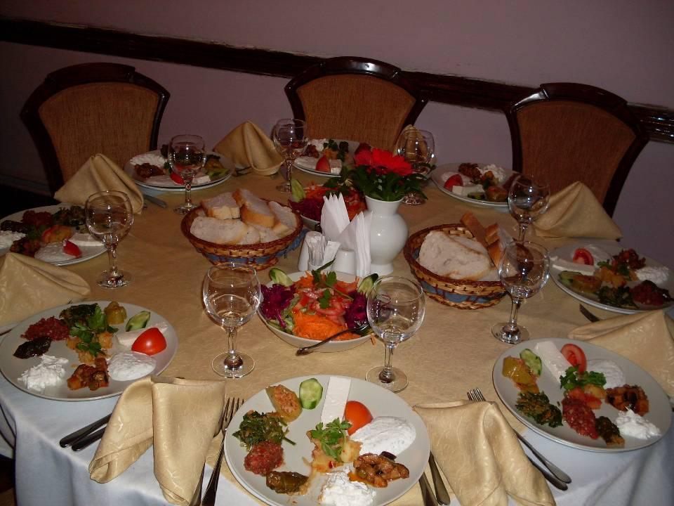 fix menü için hazırlanmış bir masa